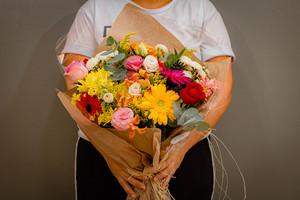 Buquê de Flores Mistas M