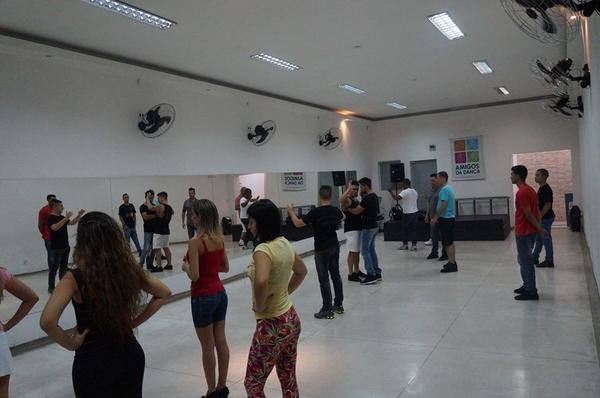Aulas de Forró Vanerão